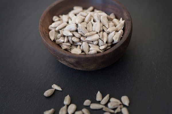 Sunflower seeds in the diet therapy of thyroid diseases, glycemic disorders and problems with skin and hair